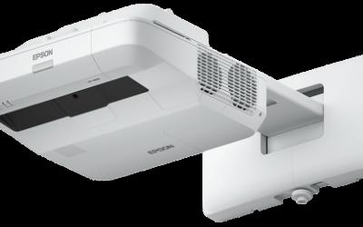 Projektor Epson EB-1440Ui